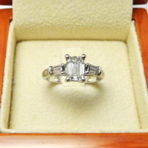 bague fiançailles diamant taille émeraude par AUDOUARD